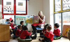 eyfs group reading image