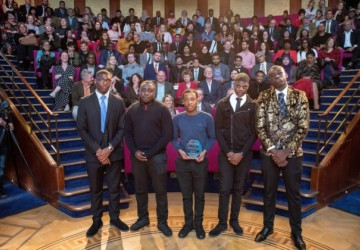 Students pick up Prize for Youth Centre Business Plan