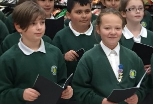 out-and-about-christmas-carol-singing-2017