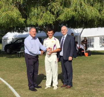 President Richard Kemp and Headmaster awarding the Rob George trophy to Matthew Davis, July 2015