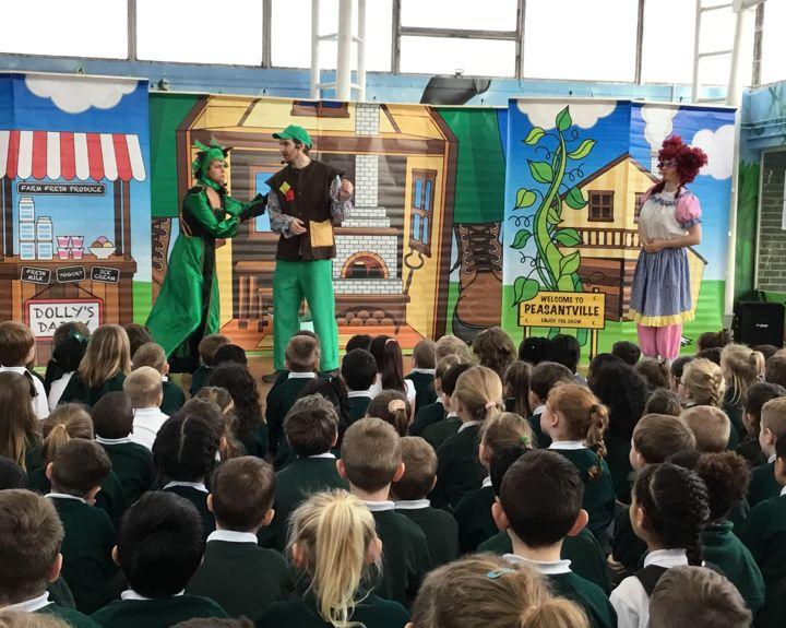 Theatre show comes to school hall