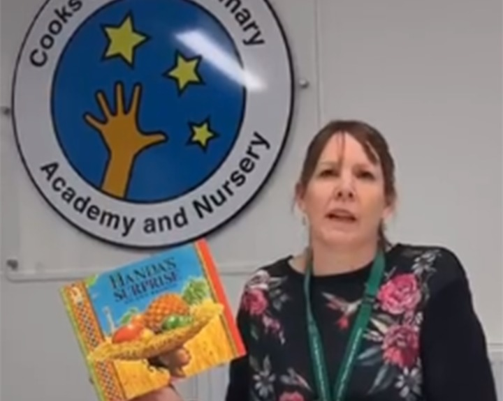 Teachers launch storytime website