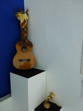 Giraffe guitar head