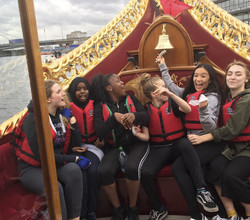 Girls Compete to Row the Queen's Barge