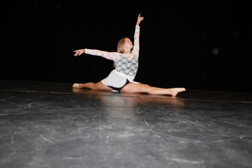 2017 Dance solo dancer image