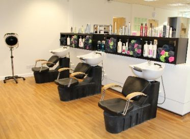 Hair Salon/Beauty Salon