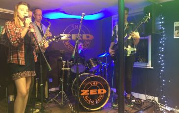 Zed Caf� Performance Evening