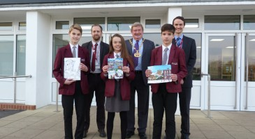 MAYOR AWARDS PRIZES FOR CHRISTMAS CARD COMPETITION