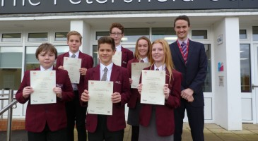 Pianists Presented with Certificates