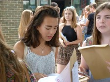 GCSE Results Day 2016 (2)