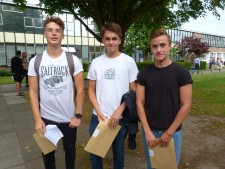 GCSE Results Day 2016 (6)