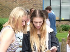 GCSE Results Day 2016 (27)