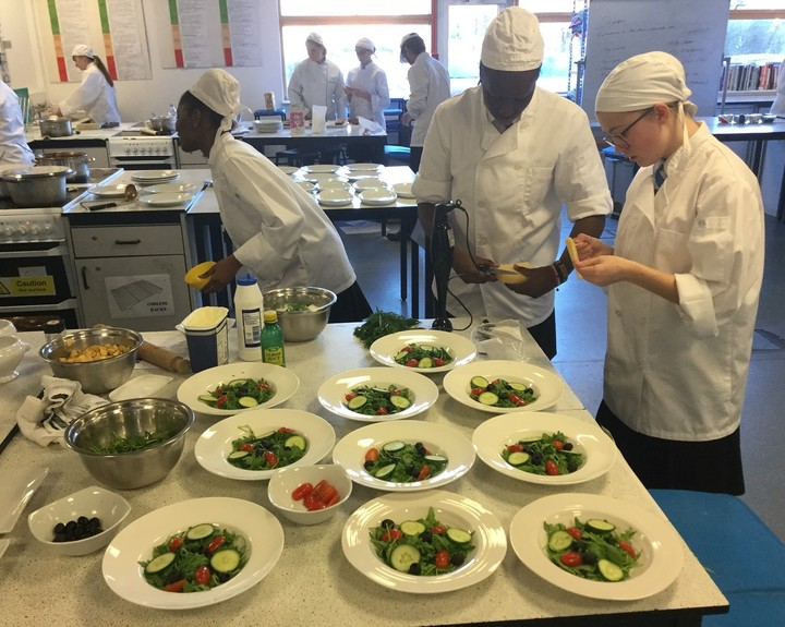 Students host pop-up restaurant