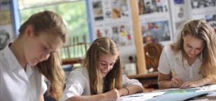 Year 9 Arts Award Students Inspired by Visiting Artists