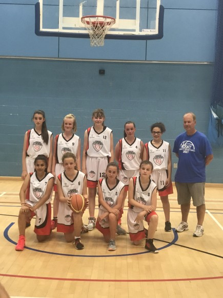 Kent Girls U13 team 2017-2rotate