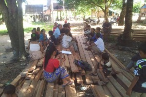 Kiri Bah Ler Village Meeting web 2